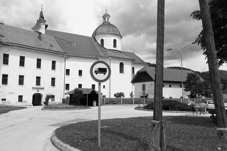Ureditev vstopnega trga ob katedrali